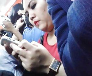 Encoxada indonesia chuby una chica en el tren le gusta mi polla vídeos porno por el culo