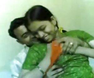 Indio buscar videos porno adolescente tetas presiona con fuerza
