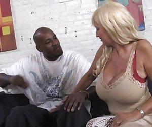 perfecto viejo mamá creampied por niño negro, mientras que la hija de reloj