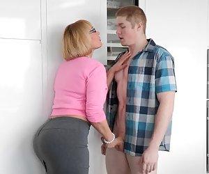 pawg novia mamá masturbación con la mano