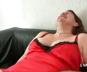 Casting anal doloroso dans la maison du sexe