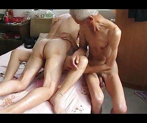 Asiático abuelo trio con mujer madura videos xxx nuevos