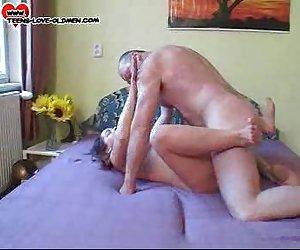 20yo y olderman sex anal xxx
