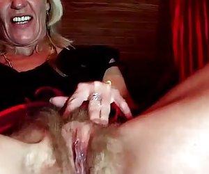 Madura rubia masturbándose en la webcam ver videos porno xxxx