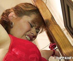 Latina lesbiana sumisos de la servidumbre de la cruz de azotes y femdom quiero ver chicas desnudas