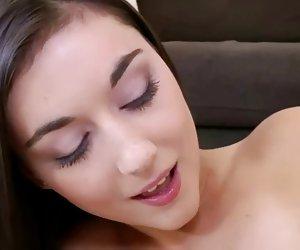 Apretado adolescente coño se la follan por suerte chico mujeres calientes en video