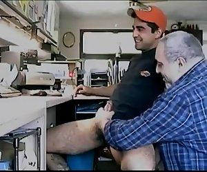 Masturbación con la mano, mamadas y corridas comer