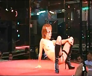 Sexy peluda japonesa stripgirl desnudo en el escenario japón club de noche videos xxx muy putas