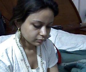 Sexy paki saira khan tener caseras de sexo con su esposo chicas putas videos gratis