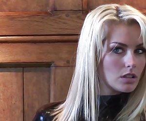 Natasha de látex negro de manga larga ajustada muy maduras putas